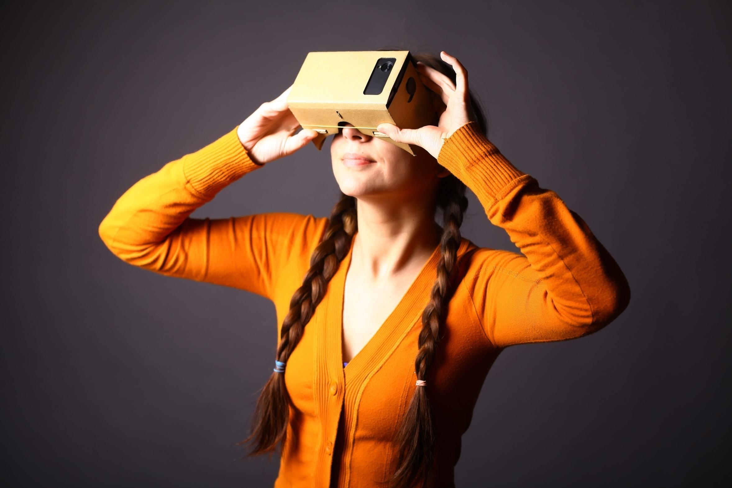 Transmédia, réalité virtuelle : nouvelles formes de storytelling et d'expérience pour séduire les clients