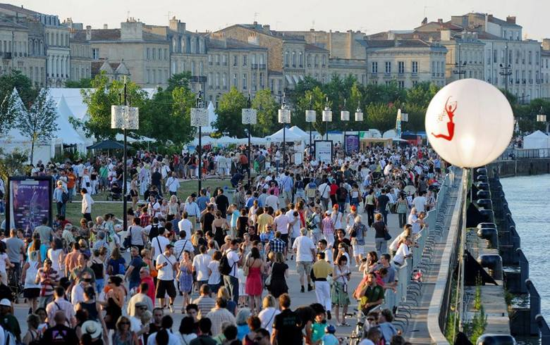 Découvrez notre série de BD transmedia à l'occasion de Bordeaux fête le vin